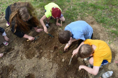 Archaeology Camp  Kids Digging
